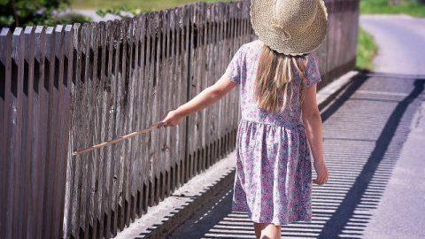 ¿Cómo sobrevivió una niña de 9 años que cayó accidentalmente en un pozo?