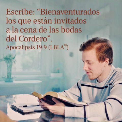 Imagenes de versiculos de la Biblia,un cristiano está leyendo la palabra de Dios