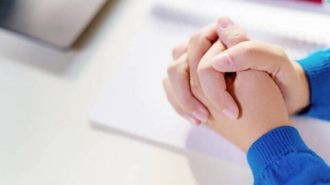¿Cómo orar a Dios correctamente? — 4 pasos para orar