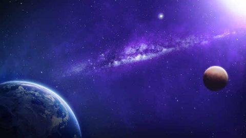 Como domina y administra Dios el mundo-universo entero